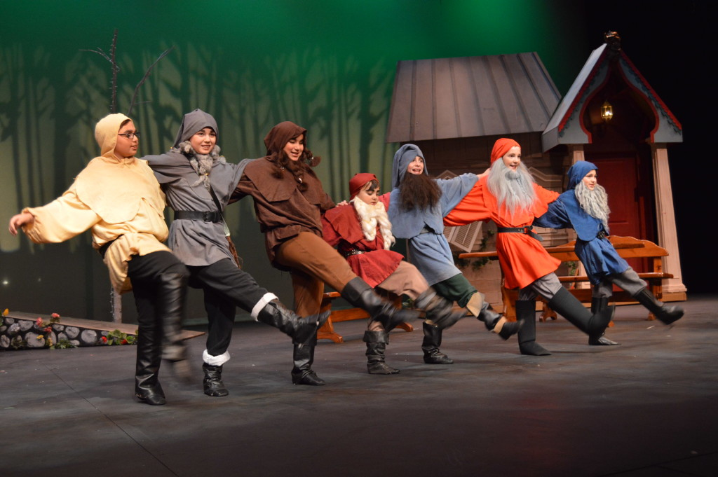 The seven dwarves welcomes Snow White! Photo by Aileen Pangan