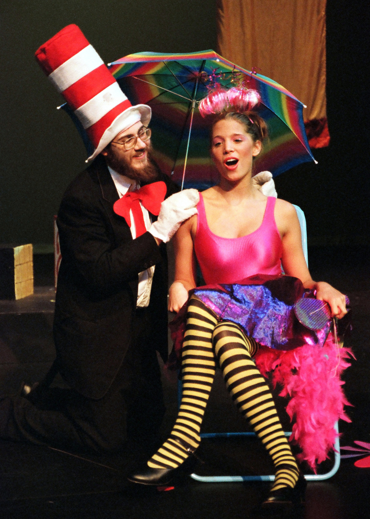 2005_seussical1135